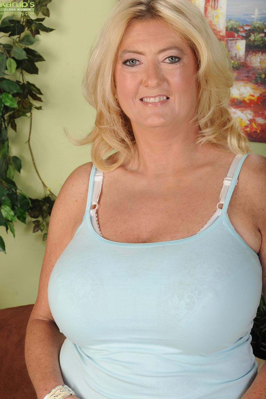 Сексуальная старушка Tahnee Taylor с большими сисями
