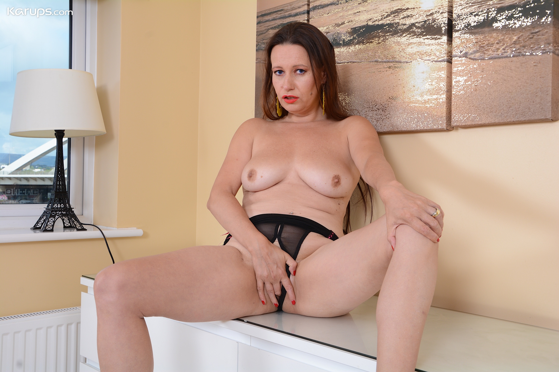 German milf annabelle massina has sex on webcam