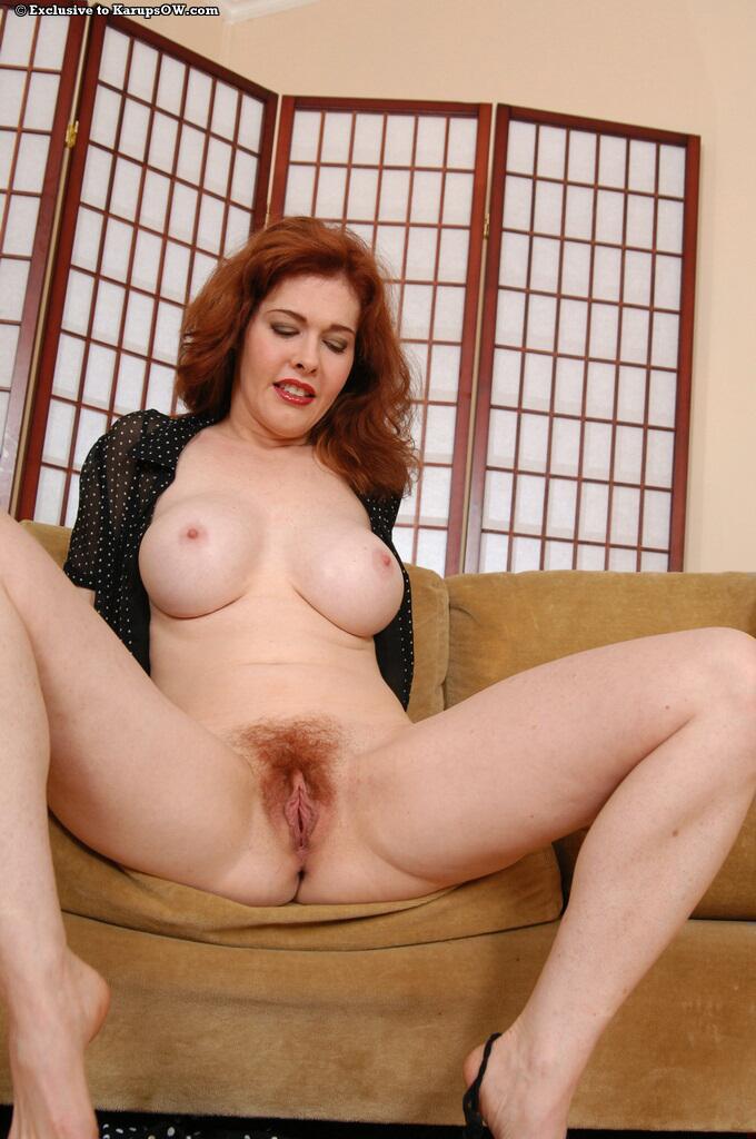 Mae Victoria Hairy